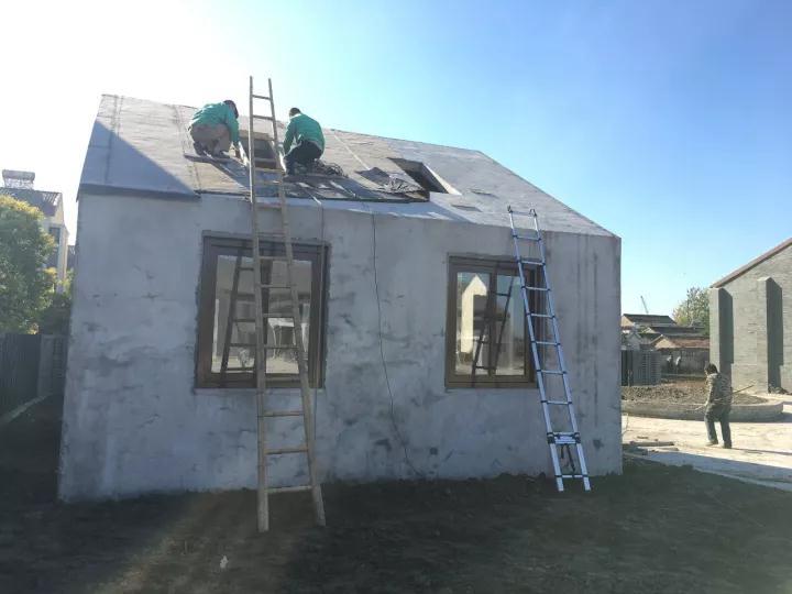 屋顶天窗安装团队1