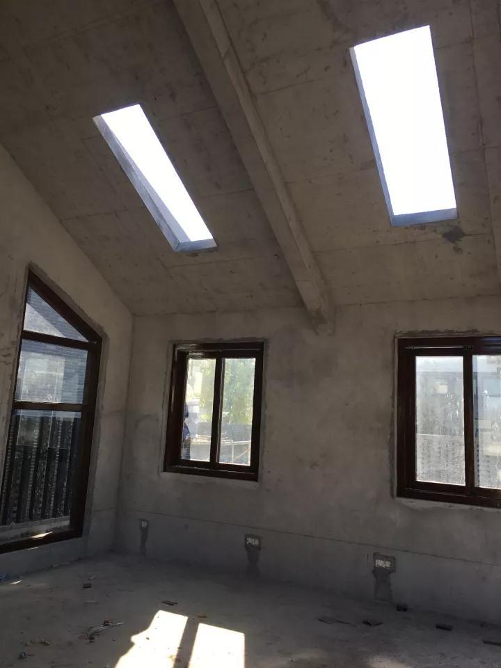 屋顶天窗未安装前