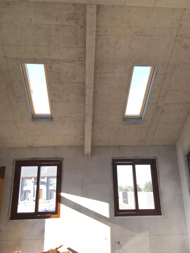 屋顶天窗安装团队